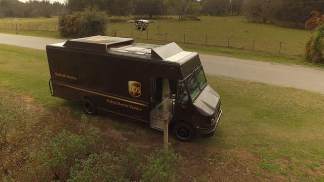 El sistema de UPS utiliza un drone que despega desde la parte superior de la camioneta