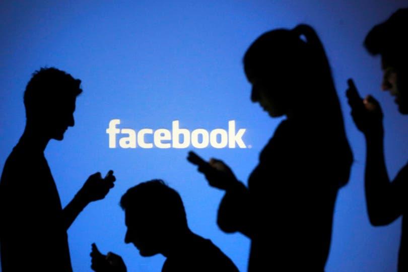 Según la consultora eMarketer, es la primera vez que la cantidad de jóvenes que usa Facebook en forma asidua baja a menos de la mitad de estadounidenses de entre 12 y 17 años
