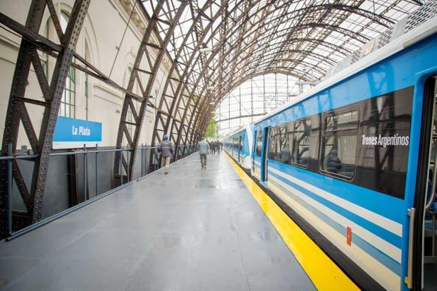 El tren de prueba llegó hoy a las 10.46am a La Plata