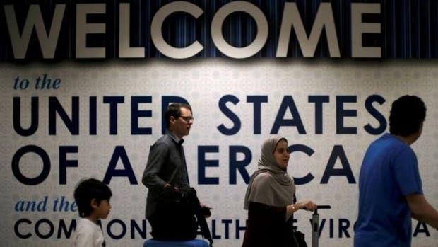 Estados Unidos desplegará más controles en todos sus aeropuertos civiles