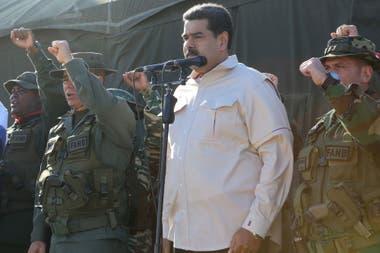 """Maduro presentó los ejercicios militares """"más importantes de la historia"""" de Venezuela"""
