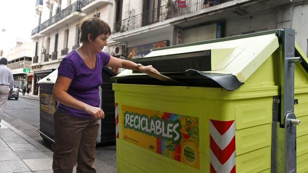 Las quejas por la falta de recolección de residuos y la limpieza o rotura de los contenedores persisten año tras año. Foto: Archivo / Diego Spivacow