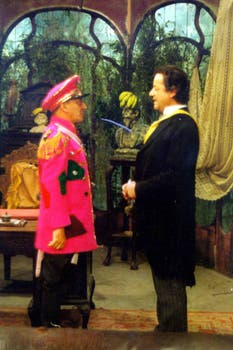 Olmedo junto al comediante Vicente La Russa en plena interpretación. Foto: Archivo La Nación