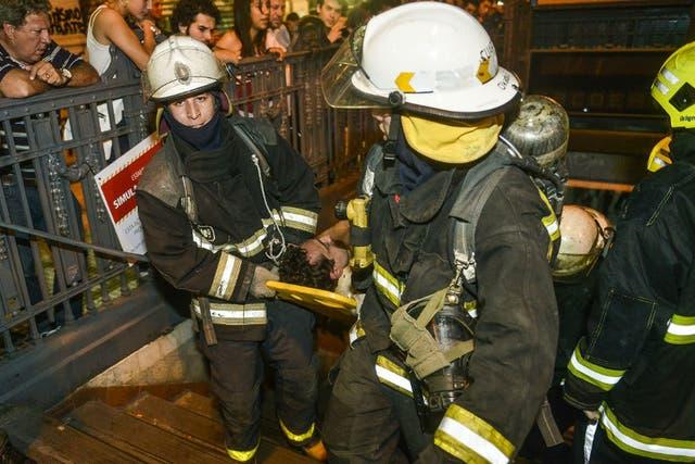 Ayer a las 23 Metrovias realizó un simulacro de evacuación por presencia de humo