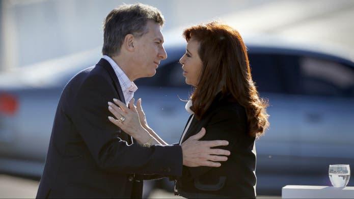 Macri y Cristina, en junio del año pasado, cuando inauguraron la ampliación de la Illia y se mostraron juntos en público por última vez