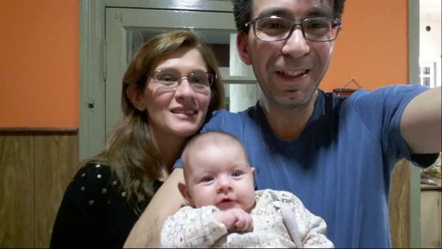 La felicidad de los flamantes padres