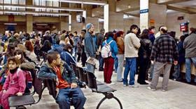 Desde hoy, la sede central del Registro Civil porteño, en Uruguay 753, funcionará con turnos