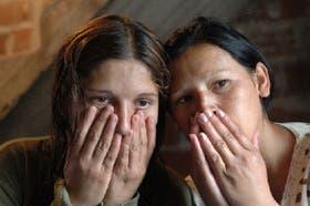 Delia (24) y Patricia (27) se estremecen al recordar la terrible experiencia de haber sufrido abusos