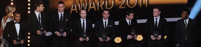 Los jugadores reciben el reconocimiento de la FIFA