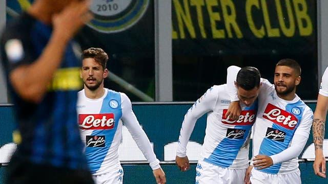 Inter Milan v Napoli festejo de Callejón