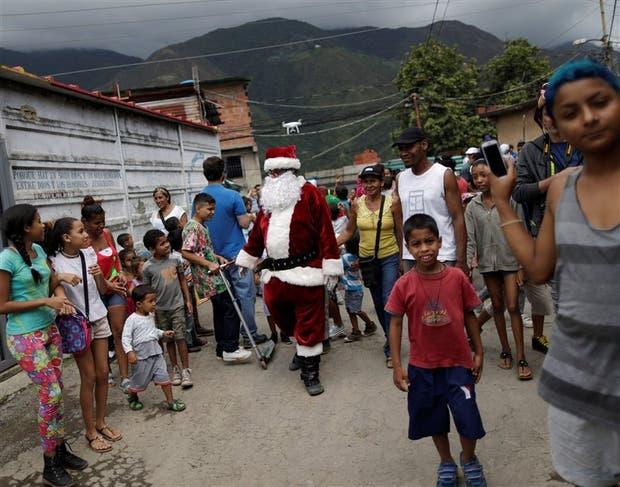 Papá Noel en el Petare, una de las zonas más pobres de Caracas