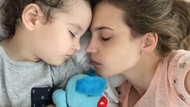 Sabrina Garciarena y su pequeño León