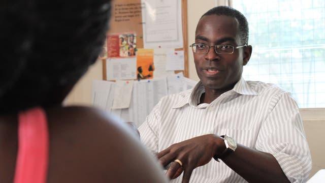 """El ingeniero ghanés Patrick Awuah fue distinguido con el Premio WISE a la Educación; fundó la Universidad Ashesi en Ghana, cuya misión es """"educar líderes éticos con espíritu emprendedor"""""""
