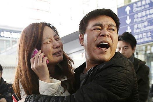 Algunos familiares dijeron que al llamar a los pasajeros el teléfono sonaba