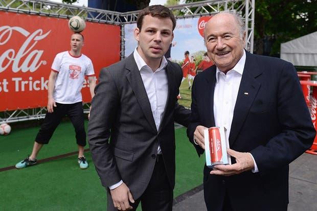 Blatter recibió un duro golpe de las empresas