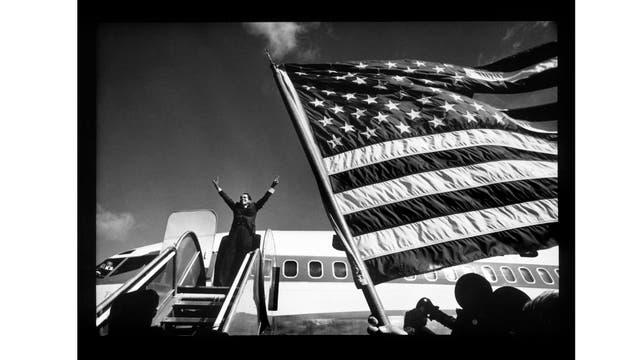 """Como parte de sus """"trabajos oficiales""""siguió a Richard Nixon en 1968, durante su campaña por presidencial"""