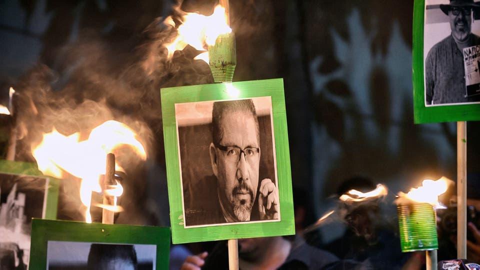 Protesta para pedir al gobierno mexicano que atrape a los asesinos de Javier Valdez, en México DF, el 16 de mayo de 2017