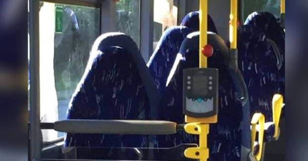 ¿Mujeres en burka o asientos de colectivo?