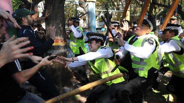 Confirman el sobreseimiento de Macri por la represión en el Borda