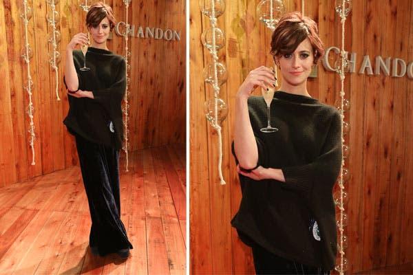 Mónica Antonópulos estuvo en el espacio Chandon de ArteBA vestida de total black: remerón bien suelto y pantalón palazzo. ¿Qué tal?. Foto: Feedback PR