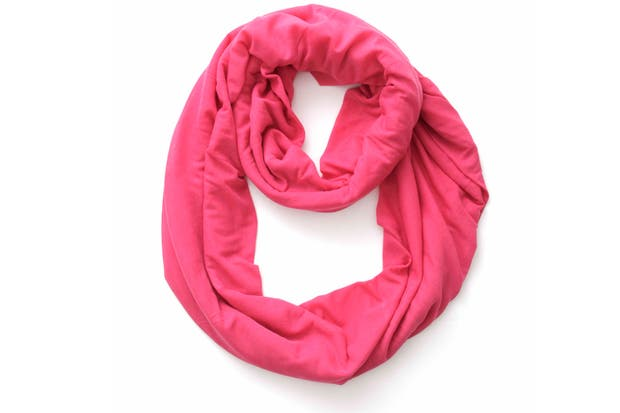 Fucsia liso (Top 3, $65).