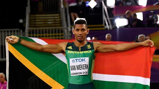 Van Niekerk ganó el oro en 400 metros en su primer paso para suceder a Bolt
