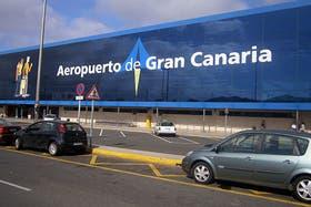 Aterrizaje de emergencia en España por una mujer con cocaína en el estómago: había salido desde Argentina