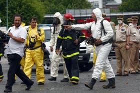 Sergio Berni dirigió el operativo en el puerto de Buenos Aires para mitigar el siniestro que causó el mal olor en la ciudad