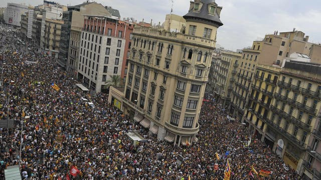 Piquetes, marchas y presión a la Policía en el inicio de la huelga general. Foto: AFP / Luis Gene