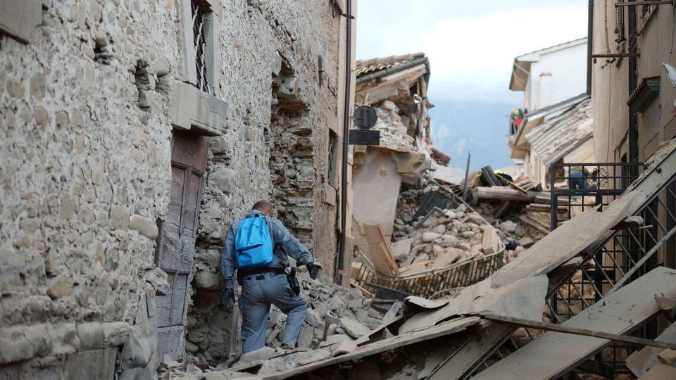 Terremoto en Italia: Las localidades más afectadas son Amatrice, Norcia y Accumoli, El epicentro se ubicó a unos 10 kilómetros al sureste de Norcia e incluso llegó a sentirse en la ciudad de Roma. Foto: AFP / Filippo Monteforte