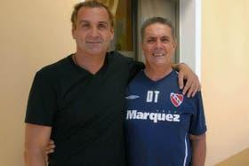 Islas, en su último paso por el club, junto a Pepe Santoro