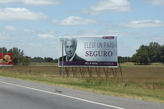 """Elegí un país seguro"", el lema del gobernador cordobés, el peronista José Manuel De la Sota. Foto: LA NACION / Matías Aimar"