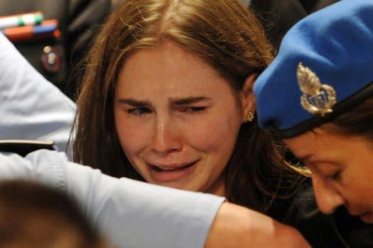 Amanda Knox rompió en llanto al conocer el veredicto. Foto: EFE