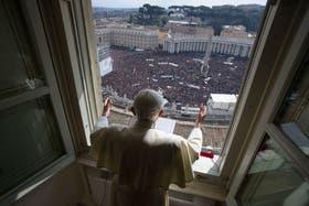 La última bendición del Papa a los fieles que se acercan cada domingo