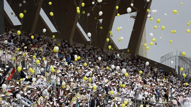 La celebración iba a ser en otra cancha, pero las autoridades locales decidieron por motivos de seguridad que fuera en este estadio militar, en una zona desértica a 15 kilómetros de El Cairo. Foto: AP / Gregorio Borgia