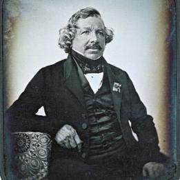 El daguerrotipo fue creado por el francés Louis Daguerre.