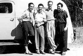 De izquierda a derecha, el cantante español Miguel de Molina, Antonio Carbonaro, el payador argentino Fernando Ochoa y Donato, hermano de Antonio