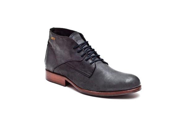 ¿Qué te parecen estas botas acordonadas? (Levi´s, $1090).