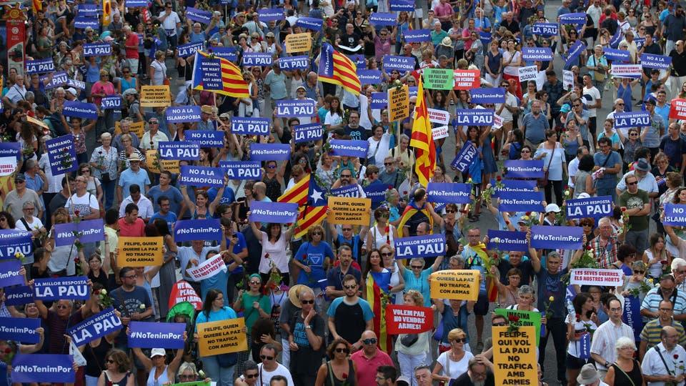 Masiva marcha por la unidad a diez días de los atentados en Barcelona