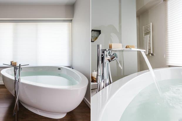 Baño Vestidor Minimalista:claro que querían un cuarto de baño de categoría pero minimalista