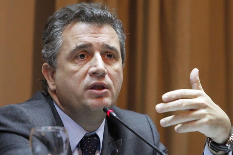 La Justicia investiga al ministro por el bono que cobró de la entidad agropecuaria