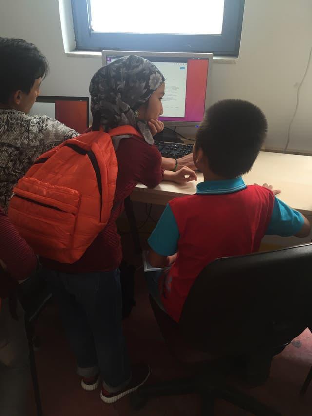 En Khora los chicos reciben clases de computación y otros talleres