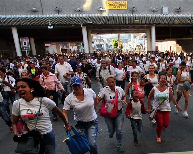 Frontera cerrada = Táchirta abastecido - Página 5 Crisis-en-venezuela-2233785w620