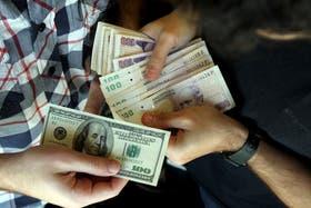 El dólar oficial sigue subiendo