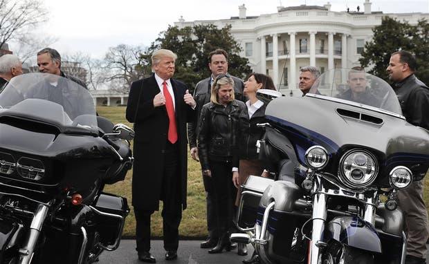 Trump se reunió ayer con ejecutivos de la compañía Harley Davidson
