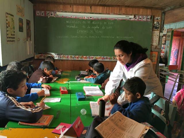 Nancy García, en plena clase, con sus alumnos de 2º y 3º