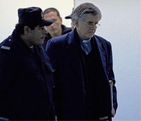 Grassi fue condenado a 15 a?os por abusar de un menor