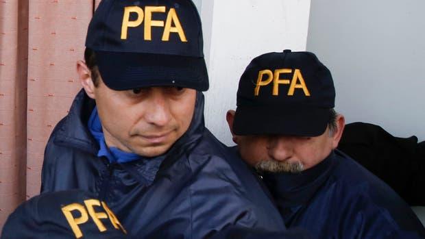 A la derecha Ruiz Diaz junto a Juan Carlos Pelozo, dos de los gendarmes que declararon en calidad de testigos en la causa