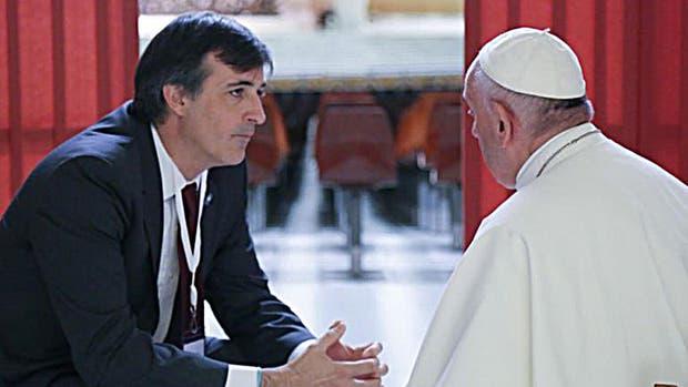 El Papa Francisco recibe a Esteban Bullrich luego del triunfo de Cambiemos