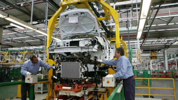 El sector que más experimentó el crecimiento laboral es Transportes, almacenaje y comunicaciones